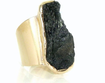 Tourmaline Ring, Raw Tourmaline ring, Black Tourmaline Ring, Natural Stone Ring, Raw Crystal Ring, Black Gemstone Ring,Gold Adjustable Ring.