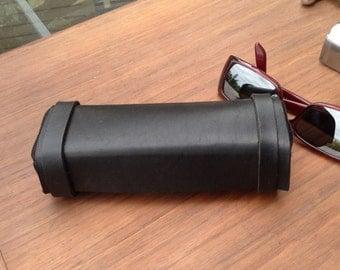 Leather case for glasses in Black Latigo