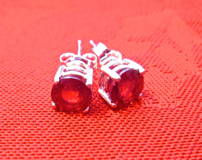 Red Ruby Studs, 7mm Round, Natural, Set in Sterling Silver E882