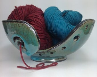 Large Knitting Bowl, Ceramic Yarn Bowl, Clay Crochet Bowl, Gifts for Knitters, Clay Yarn Organizer, Pottery Yarn Bowls, MADE TO ORDER