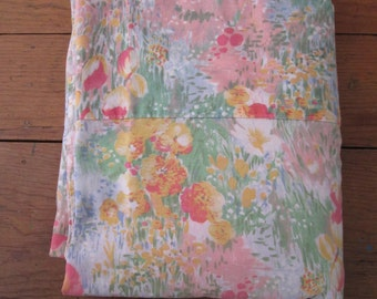 Vintage Floral Patterned Double/Queen Bed Flat Sheet