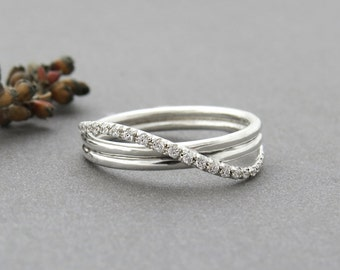 Unique Engagement Ring, Unique Diamond Infinity Ring, Infinity Engagement Ring, Infinity Wedding Ring, Delicate 14k Solid Gold Infinity Ring