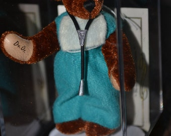 Vintage World of Miniature Bears Doctor Signed COA Fuzzy Statue Handmade Figurine Collectible in Case Unopened Sherri Dodson #768 Dr. Bear