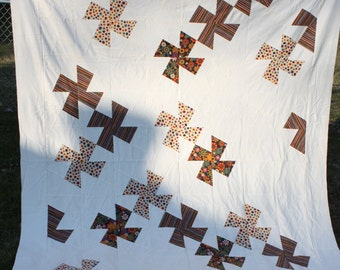 Twin Full Quilt Pinwheels Flannel Cream Fall Autumn Arts and Crafts