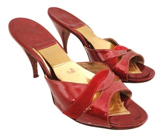 1950s Vintage red patent and suede leather springolator mules with covered heels size 6