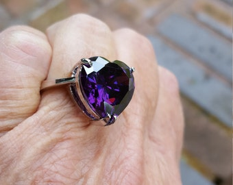 alexandrite ring size 7 1/4 11ct 1980's color changing magenta fuchsia heart sterling vintage estate ring