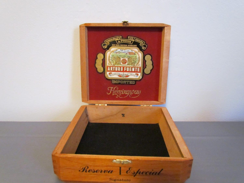 Vintage Wooden Cigar Box Arturo Fuente Hemingway Series Empty