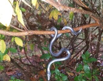 Snake, hanging iron tree snake