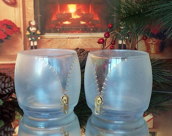 Set of 2 hand painted whiskey glasses Undress me