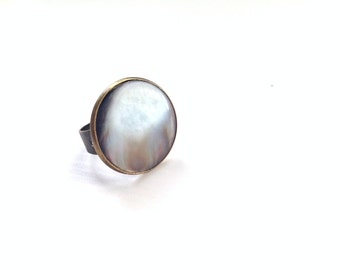"Genuine mother of Pearl shell vintage button ring ""Vadim"""