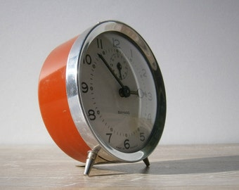 Vintage old alarm clock red BAYARD // Made in France // home decor // rustic//french country