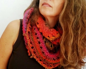 zapateo, knitted shawl in gradient colors