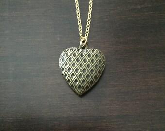locket, locket necklace, antique locket, gold locket, heart locket, heart necklace, gold heart necklace, gold heart locket, heart pendant