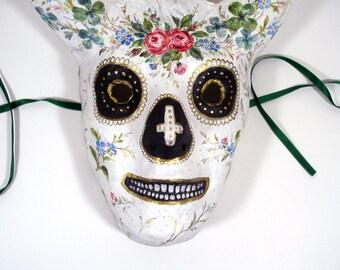 Pappmaché Sugar Skull Mask, Dia de Los Muertos / with horns