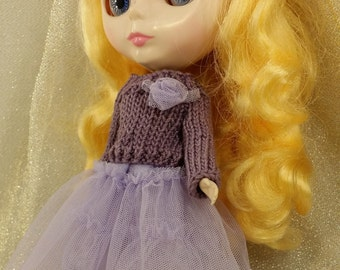 blythe doll sweater and skirt. knit top and lace skirt.