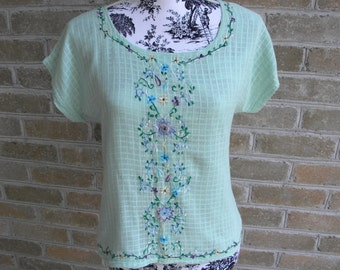 Vintage Green Embroidered Cotton Gauze Shirt / Retro Green Gauze Top / Vintage Summer Gauze Shirt / Size Small