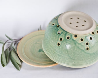 Turquoise Green Berry Bowl, Kitchenware, Colander