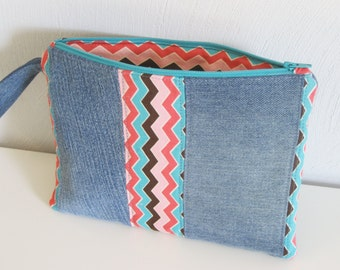 chevron striped jeans bag, zippered denim pouch,modern denim pouch,repurposed denim, recycled jeans, reused denim, e-reader bag, nook,kindle