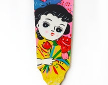 """VINTAGE 1970's Wooden Paddle , Traditional Japanese Toy """" Hagoita """", Hand Painted , Retro Girl Motif , For """" Hanetsuki """" , for Collector"""