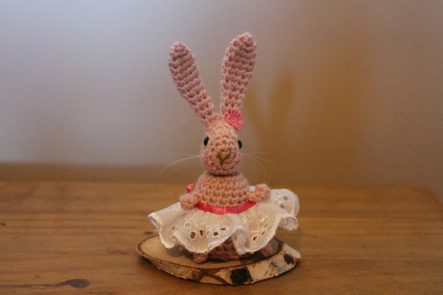 Crochet rabbit amigurumi home decor flower faux taxidermy for Rabbit decorations home