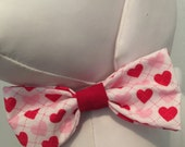 VALENTINE'S DAY Bow Tie Collar Attachment & Accessory for Dogs and Cats/Dotted Line with Red and Pink Hearts