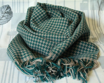 Green with beige cell scarf