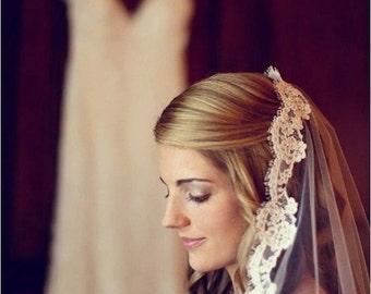 Off White Wedding Veil, Ivory Custom Bridal Veil, Veils on Combs, Boho Veil, Chapel Veils, Cathedral Veils, Short Wedding Veils