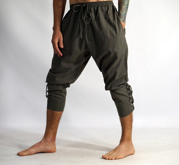 Ankle Cuffed Pants For the latest designs drop by American Eagle Outfitters and check out our fantastic menswear collection. This season we have an awesome collection of ankle cuffed pants in an array of styles and colors, simply perfect for everyday wear.