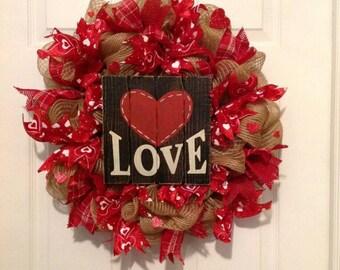 Valentine's Day Wreath, Valentine Day Decor, Valentine Day Mesh Wreath, Valentine Deco Mesh Wreath, Valentine ribbon Wreath, heart wreath