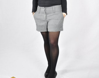 Vtg grey wool Winter Shorts / 90s / High Waist