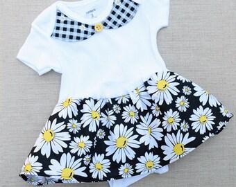 Baby Girl Onesie Skirt, Baby Girls Clothes, Baby Girl Bodysuit with Daisies, Baby Girl Shower Gift, New Baby Gift