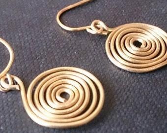 Minimal Swirl Drop Earrings