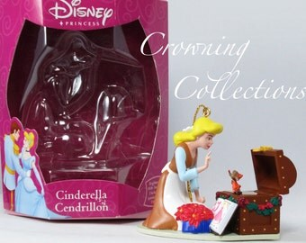 Enesco Cinderella and Jaq Ornament Disney Classics Collection Mouse Sewing Trunk Light Princess