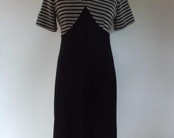 Vintage dress 60s 70s Len Vogue of Melbourne black dress with gold metallic striped bodice size medium