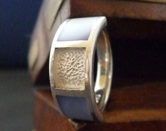 Unusual silver ring - blue detail - 925 - sterling silver - womens - size K