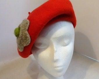Woman's Fine Wool Beret/Tam Warm Red