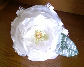 White magnolia bridal bouquet, glamelia, personalized wedding bouquet
