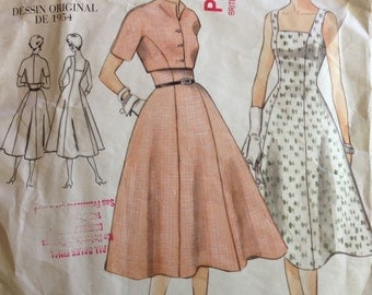 Vogue 2267 - 1950s Era Close Fitting Flared Dress with Princess Seams and Bolero Jacket with Raised Neckline - Size 8