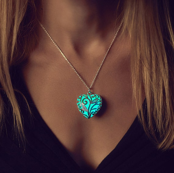 Aqua Glowing Necklace - Glowing Jewelry - Bridesmaid Gift - Christmas - Gift - Women's Jewelry - Glow in the Dark Necklace - Gifts for Her