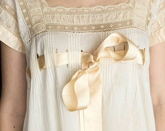Edwardian Silk Night Gown C. 1908 - Museum Quality Vintage Gown / Edwardian Clothing / Edwardian Vintage Lingerie / Silk Gown