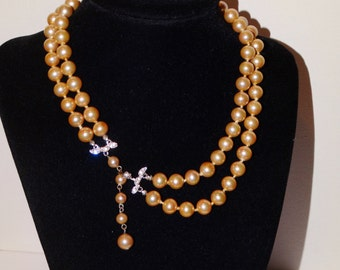 Gorgeous Individually Knotted Choker Cream/Gray Pearl necklace.