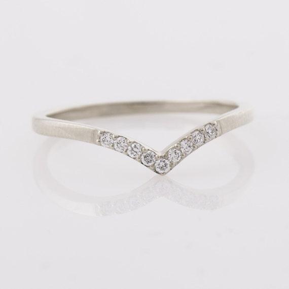 Chevron Ring, 14K White Gold Diamonds Ring, V Shaped Ring, Curved Ring, Thin Diamond Ring, Knuckle Ring, Diamond Wedding Ring