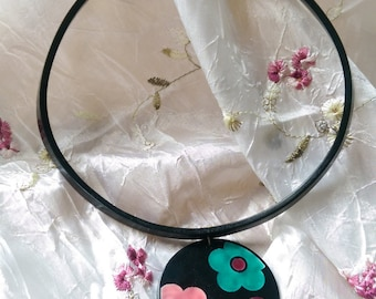 Vintage Plastic Choker Necklace with hand painted flowers