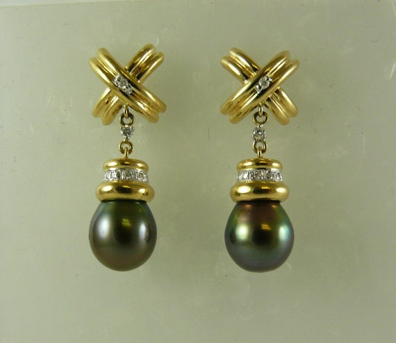 Tahitian Black Pearl Earring 18k Yellow Gold and Diamonds 0.25ct