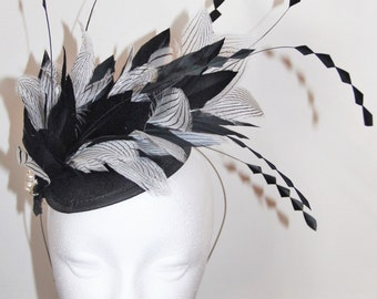 Black and white feather fascinator, wedding fascinator, fascinator with feathers, derby fascinator, races fascinator