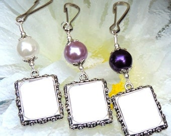 Bridal bouquet photo charm. Wedding memorial photo charm with purple or white pearl. Wedding bouquet photo charm. Gift for a bride.