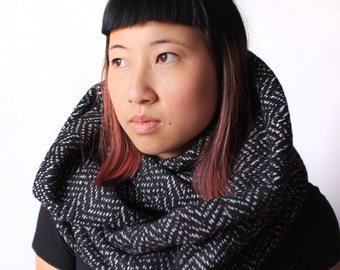 Chunky black and white wool cowl scarf