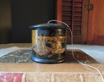 Vintage Asian Black and Gold Lacquered String Dispenser / English Chinoiserie / Papier Mâché / Thread Holder
