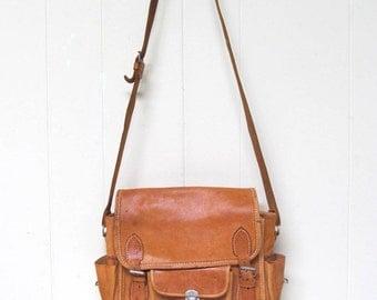 Vintage Messenger Bag / Natural Leather Shoulder Bag