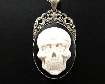 White Sugar Skull Dia de los Muertos Day of The Dead Gothic Antique Pendant Necklace